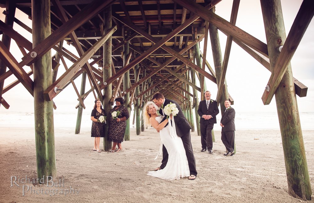 Amy And Sean Wanted Their Wedding To Be On The Sand At Beach Rain Wasn T Go Stop Them From Doing Just That